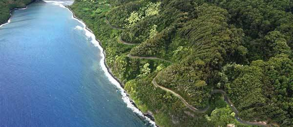 Strade: Hana Highway, tante curve sull'isola magica Maui, Hawaii