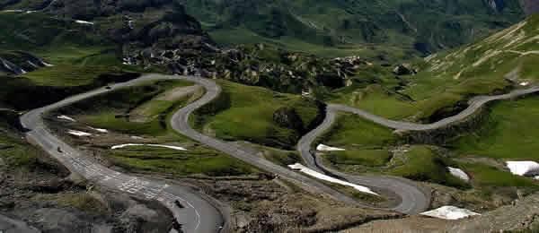 Tour in moto  Su e giù dai passi delle Alpi tra Italia e Francia. » a737cb4c3b9